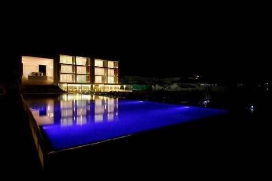 Mancora Marina Hotel: MMH de noche