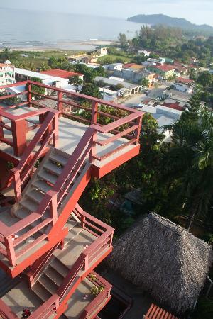 Les marches vus de la terrasse picture of maya vista for Hotel maya tela