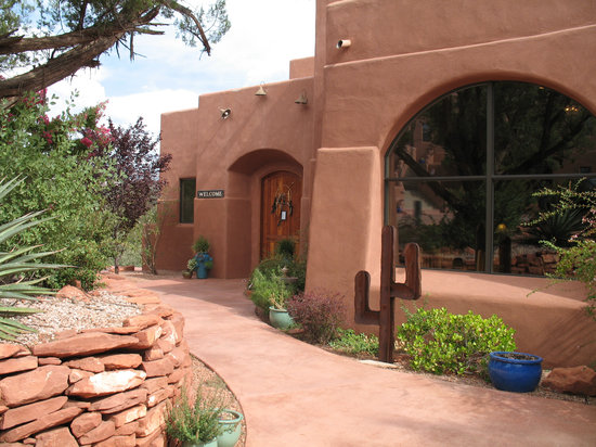 Alma de Sedona Inn Bed & Breakfast: Our beautiful Lodge.