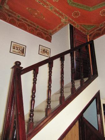 Riad Maison Belbaraka: stairs to toilet