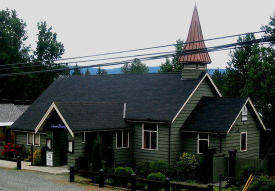 Steeples Restaurant: Built in 1954 and restored in 2000
