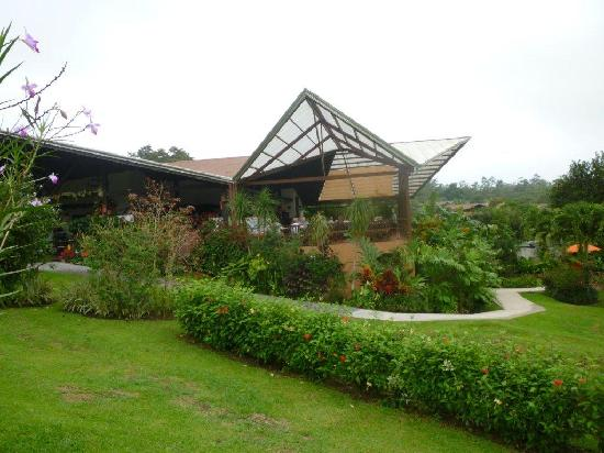 Arenal Springs Resort and Spa: The Ti-Cain Restaurant - viewing the volcano