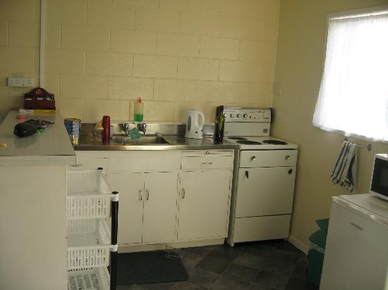 Mangonui Motel: Kitchen