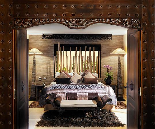 Royal Garden Villas: Dormitorio Villa
