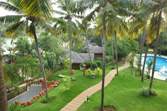 Fragrant Nature Backwater Resort & Ayurveda Spa: Resort overview