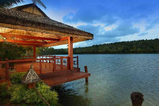 Fragrant Nature Backwater Resort & Ayurveda Spa: Boat Jetty