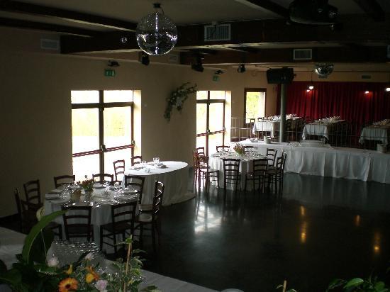 Sir Ector: Sala da ballo allestita per matrimonio