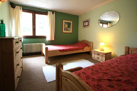 Chalet les Frenes: twin room
