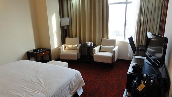 Dhaka Regency Hotel & Resort : zimmer mit Fenster