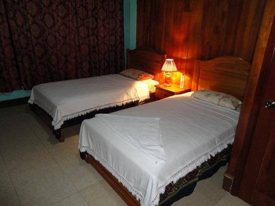 Hotel Sula Sula: la habitacion del hotel