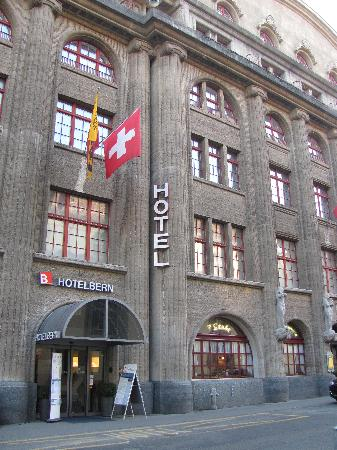 Best Western Hotelbern: Front of hotel
