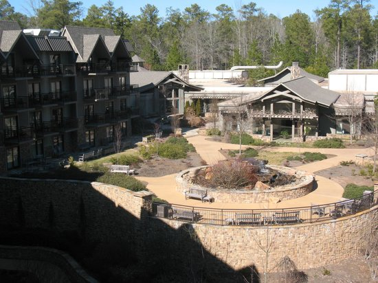 The Lodge and Spa at Callaway Resort & Gardens : Balcony veiw from 4th Floor of Lodge