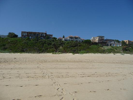 Dune Guest Lodge: view from the beach