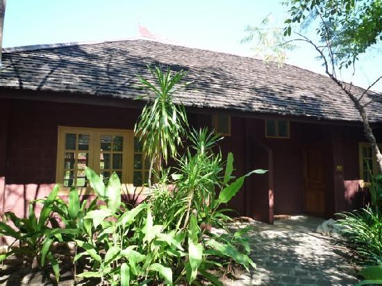 Inle Resort & Spa : duplex cottage