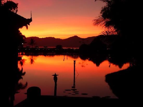 Inle Resort & Spa : sunset