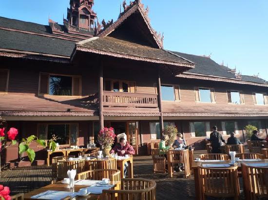 Inle Resort & Spa : breakfast area