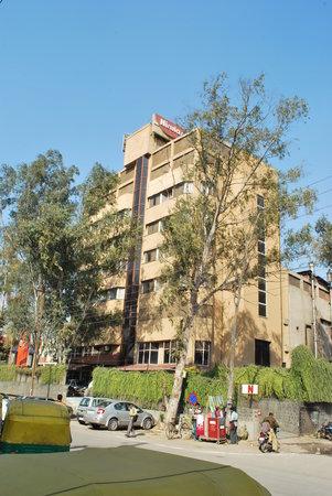 Nirula's Noida Hotel