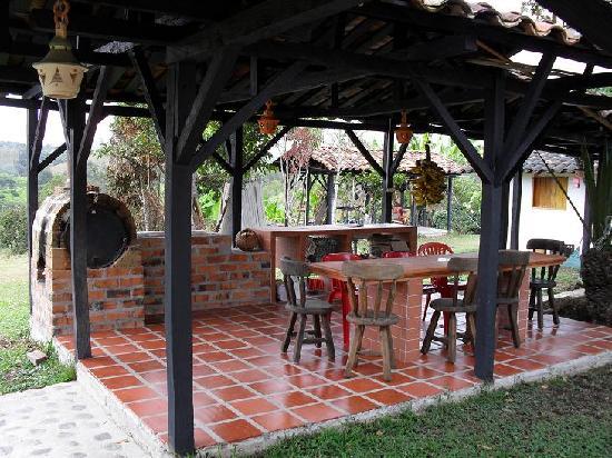 Cocina de le a picture of hostal alto de los andaquies - Cocinas de lena ...