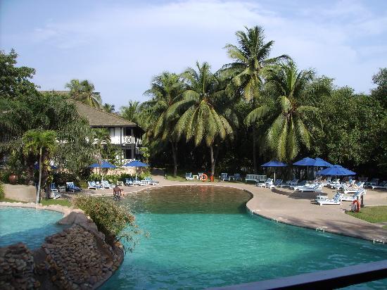Labadi Beach Hotel Pool
