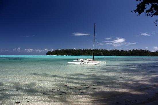 Papetoai, Γαλλική Πολυνησία: Spiaggia a destra dell'Hibiscus
