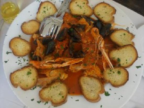 Antiche Mura: La zuppa di pesce...