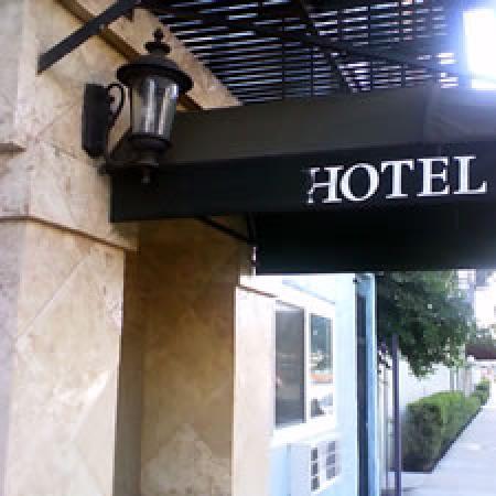 The Hotel Hollywood : Hotel Enterance