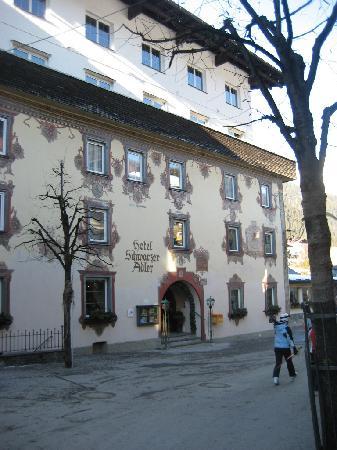 Hotel Schwarzer Adler: Outside of hotel