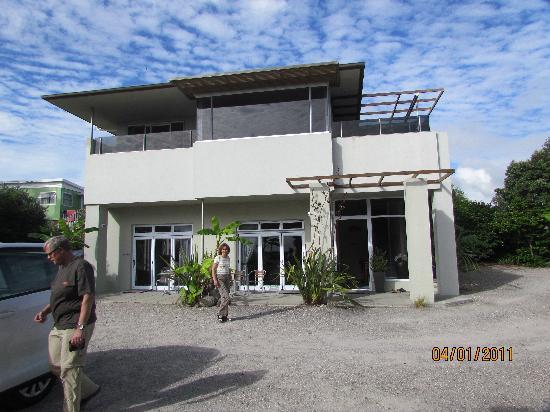 Waihi Beach Lodge: Die Lodge zur Straßenseite