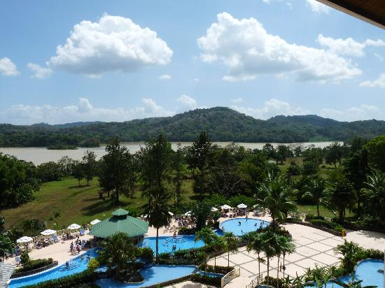 Gamboa Rainforest Resort: Pool and Chagres River from Resort Bar Veranda