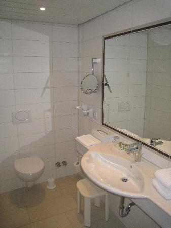 insel-Hotel: 301-toilet room