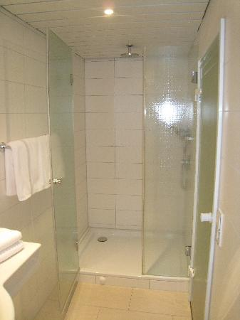 insel-Hotel: 301-shower cabine in toilet-room