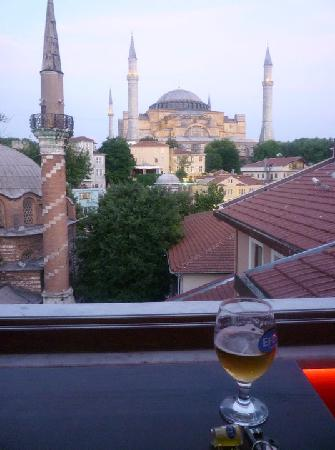 Cheers Hostel: View from rooftop bar!!!!