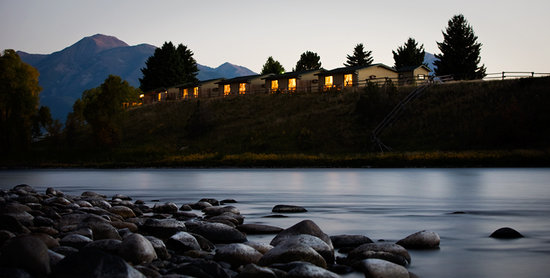 Yellowstone Valley Lodge: Fall asleep to the sound of the river and wake up to mountain views and world class fishing