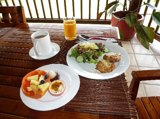 Kealakekua Bay Bed and Breakfast: Delicious - and healthy - breakfast