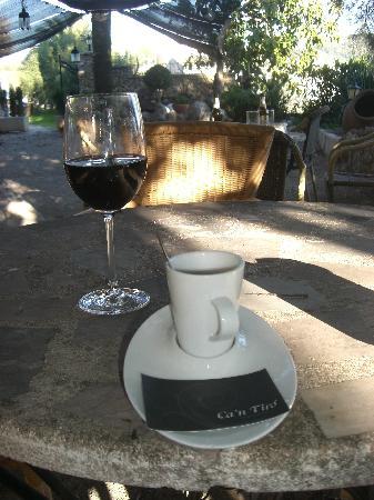 C'an Tiro: cafe en la terraza