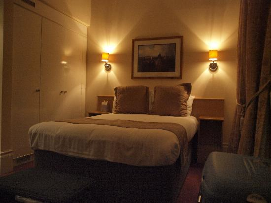 The Darlington Hyde Park: our room, amazing