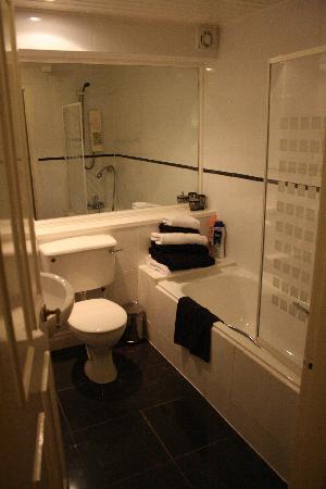Edinburgh at Home: bathroom