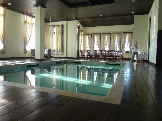 Aureum Resort at Governor's House: Pool by Dining room in Residence