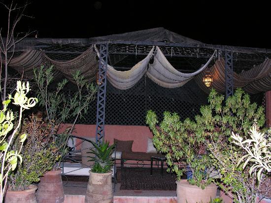 Riad Adika: Terrasse sur les toits