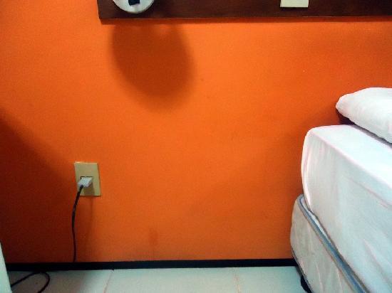 Fortaleza Mar Hotel: paredes sujas e manchadas