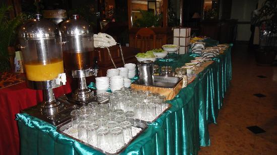 Holiday Villa Phnom Penh: Breakfast