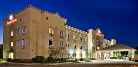 Oakley Hotel Inn & Suites
