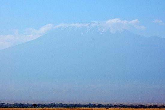 Ol Tukai Lodge: Unbelievable - Kilimanjaro view from my room