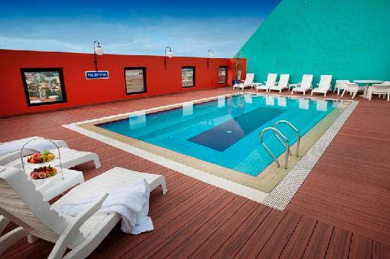 Mercure Perth: Roof Top Pool