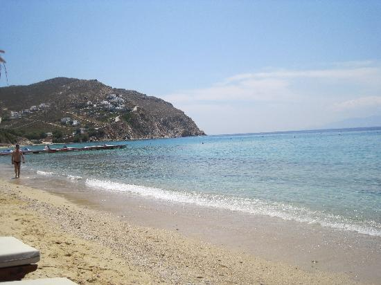Elia Beach: amazing