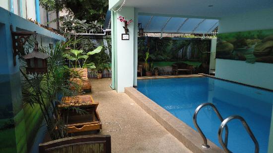 Awanahouse: Swimmingpool