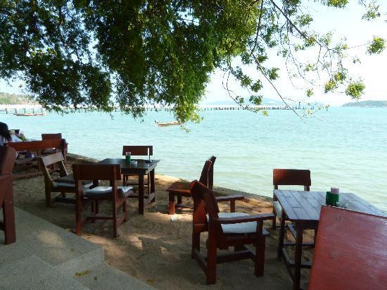 Nikitas Beach Restaurant : see view