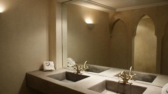 Riad Abracadabra: Cuarto de baño