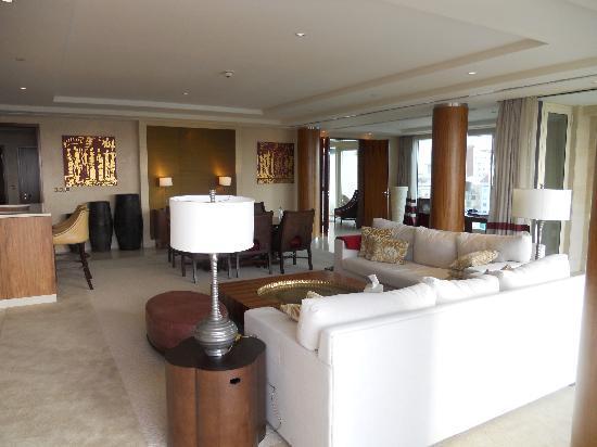 Raffles Dubai: Gorgeous Landmark Suite