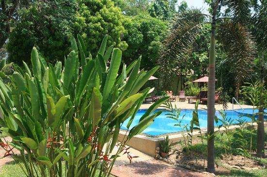 Oriental Kwai Resort: Pool area